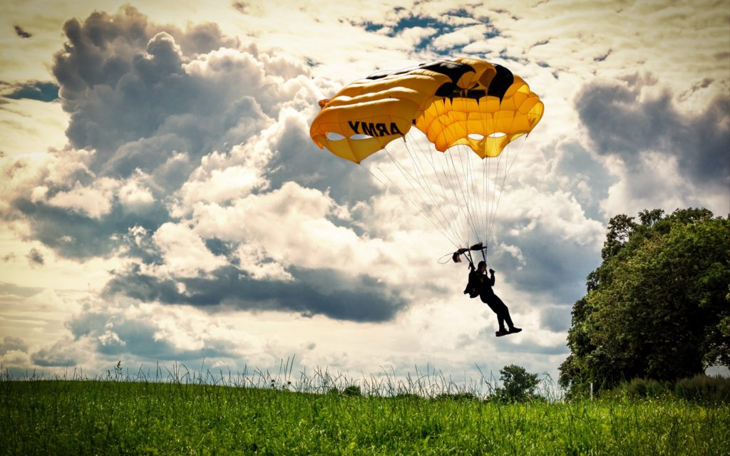 paragliding-in-open-sky