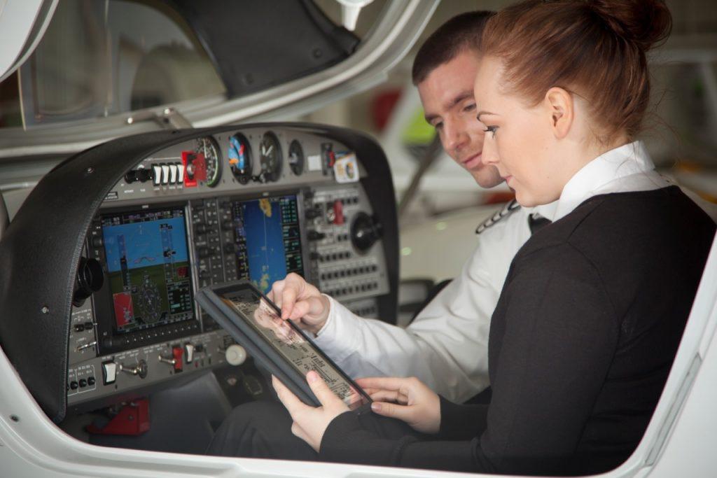 pilot-instructor