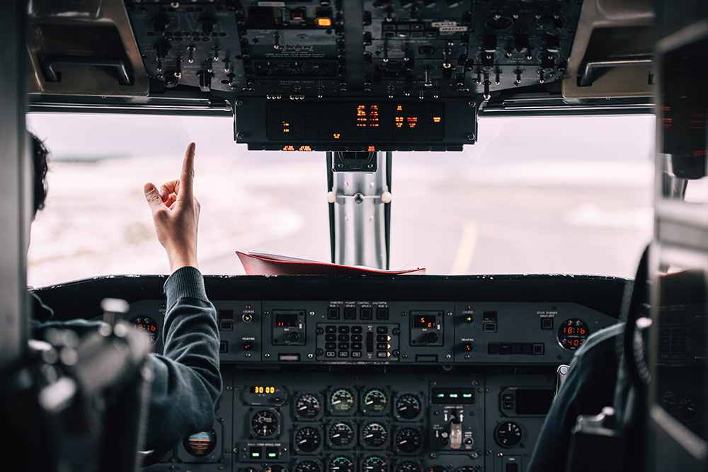 pilot pointing